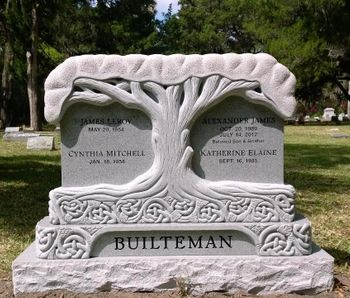 southern-monument-installed-at-cemetery